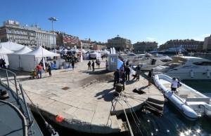 Rijecki gradonacelnik Vojko Obersnel otvorio je 2. Rijeka Nautic Show, koji se do 28. rujna odvija na Gatu Karoline Rijecke s ciljem pružanja podrške domacoj proizvodnji i izvozu, ali i kao atraktivan nauticki i turisticki dogadaj. Posjetiteljima sajma svoje proizvode, usluge i razlicitu opremu predstavlja 55 izlagaca s 40 plovila, a ovogodišnji sajam poseban je po iznimno bogatom i atraktivnom pratecem programu.