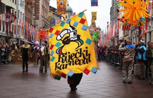 karneval-povorka
