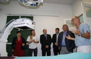 Predaja-rtg-uređaja-bolnici-Kantrida-1-900x600