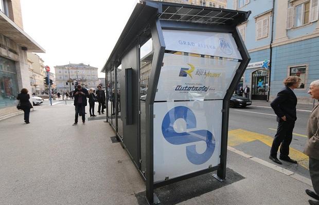 Predstavljanje-pametne-autobusne-stanice-15