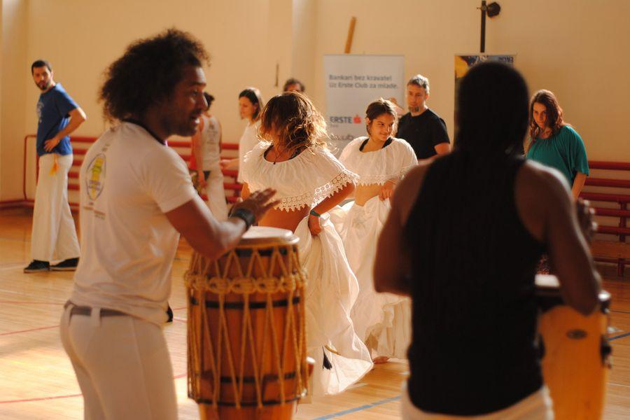 Afro međunarodna stranica za upoznavanja