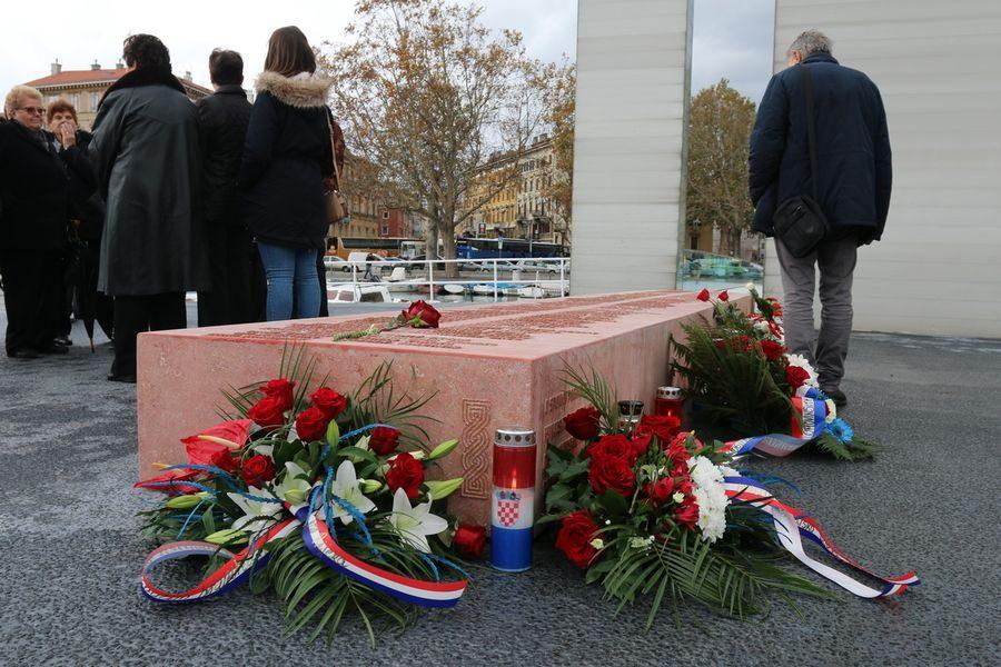 Otvoreno memorijalno obilježje na Mostu hrvatskih branitelja