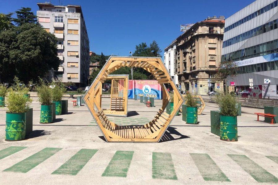 Drveni paviljoni postavljeni i na Klobuučarićevom trgu