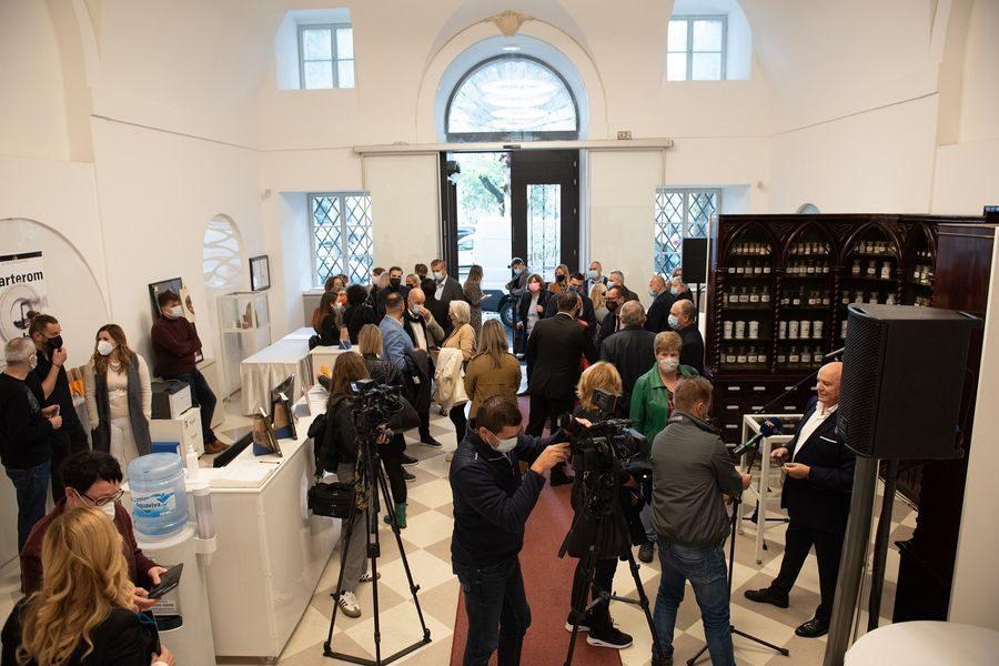 U Rijeci otvorena izložba povodom 750 godina hrvatske farmacije